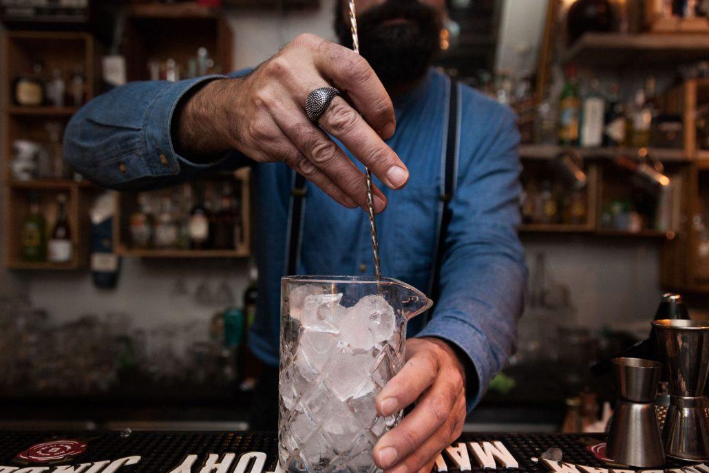 Officine Beat - Preparazione Cocktail Ghiaccio