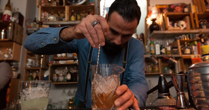 Officine Beat - Preparazione Cocktail